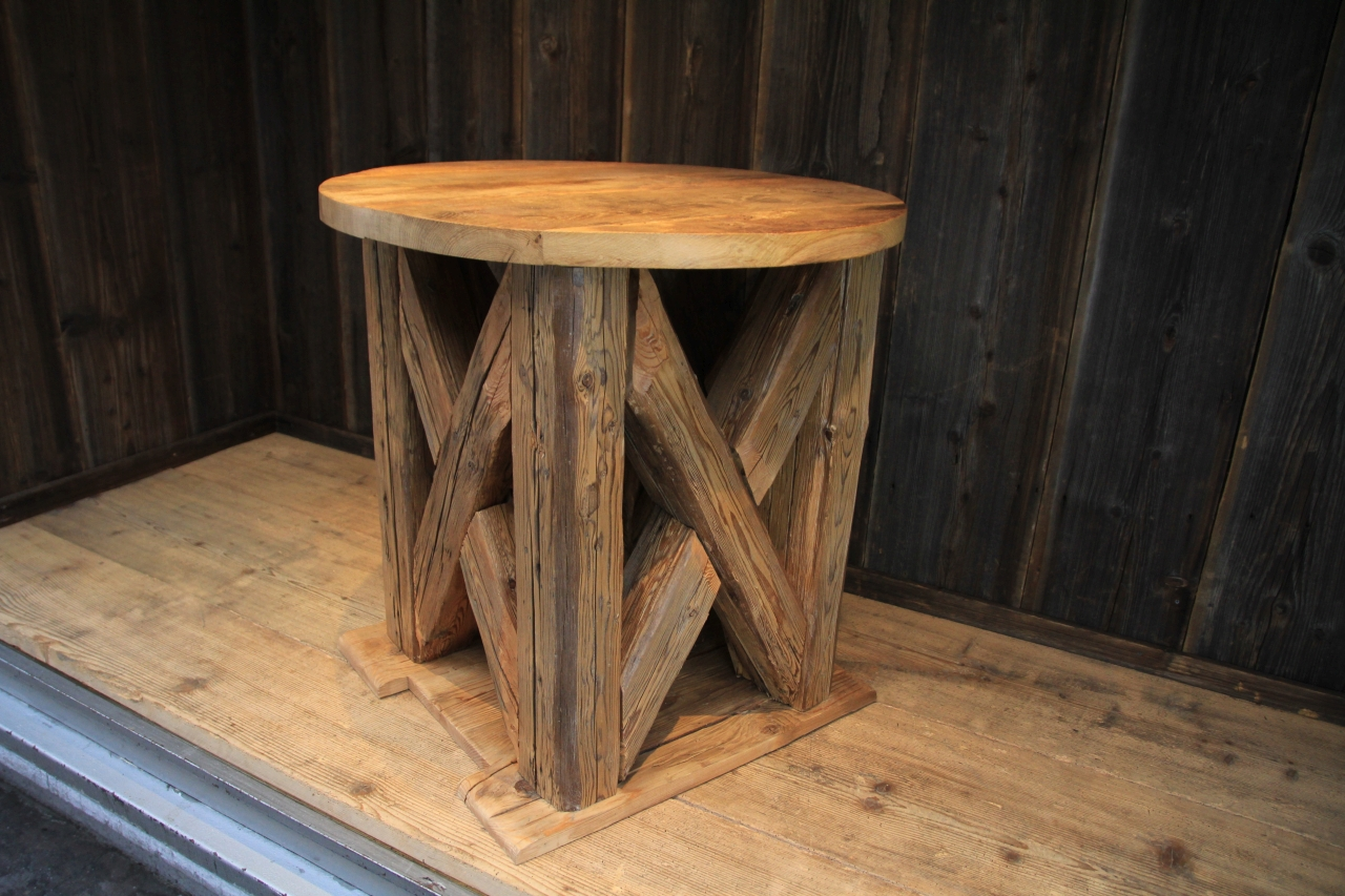 Möbel aus alten balken: holzrahmen aus alten balken möbel ...